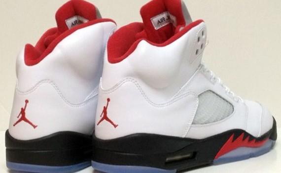 air-jordan-v-white-black-red-2013-retro-on-ebay-7