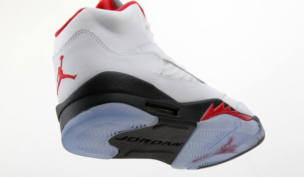 air_jordan_v(5)_retro_gs_white_fire_red_black-1