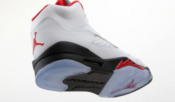 air_jordan_v(5)_retro_gs_white_fire_red_black-1